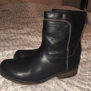 Girls black boots